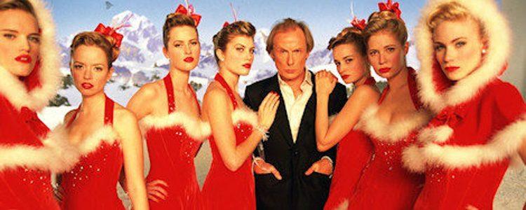Bill Nighy, caracterizado de Billy Mack canta 'Christmas is All Around'