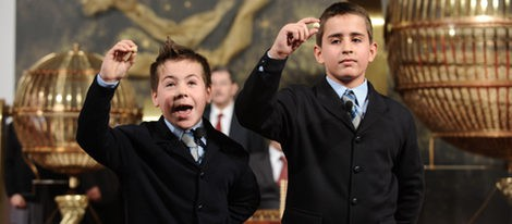 Los niños de San Ildefonso cantando la Lotería de Navidad