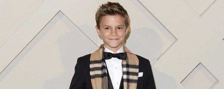Romeo Beckham es imagen de Burberry