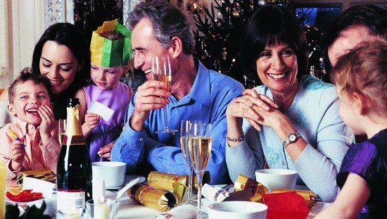 la cena de nochebuena una de las tradiciones de la navidad