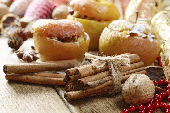 Las nueces y las manzanas son ingredientes típicos de sus platos navideños