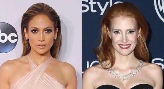 Jennifer Lopez y Jessica Chastain peinan hacia atrás su melena con volumen