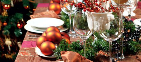 Mesa decorada para las fiestas navideñas
