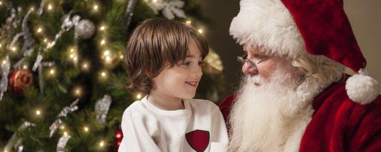 Llega un momento en la vida de todo niño en el cual se plantea, ya sea por culpa de un compañero de clase, un amigo o un adulto, la existencia de Papá Noel