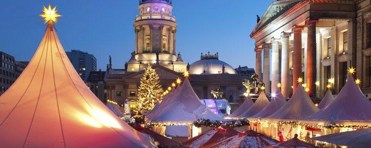 Los mercados navideños tienen una gran cantidad de productos, tanto para niños como para mayores