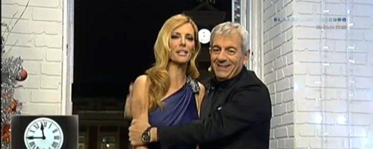 Carlos Sobera y Paula Vázquez presentando las Campanadas