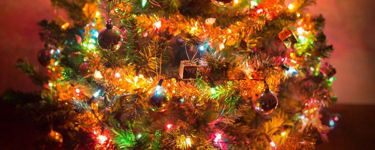 El espumillón es un decorado muy característico de la Navidad