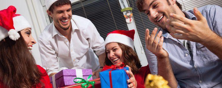 Si hay algo que le suele gustar a todo el mundo, son las golosinas y por eso será siempre un buen regalo