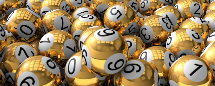 Un equipo anónimo de más de 40 personas se realiza la comprobación de las bolas premiadas