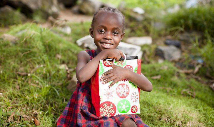 Navidad en el Congo: un desfile navideño con una ofrenda de regalos