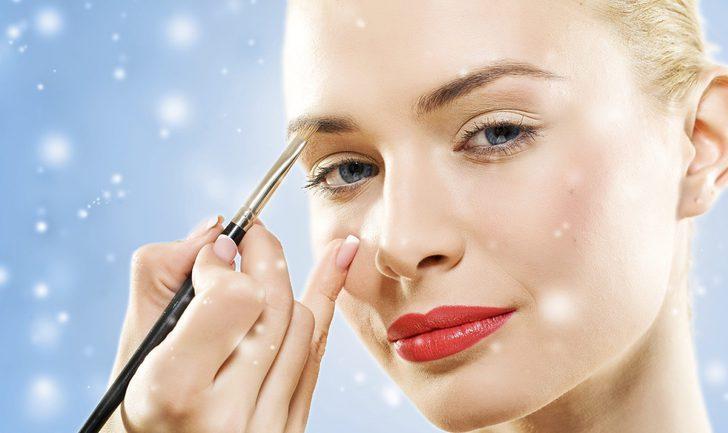 Trucos prácticos para ir maquillada perfecta a la cena de Nochebuena