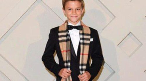 Romeo Beckham endulza la Navidad con la campaña 'Festive' de Burberry