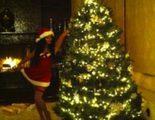 Vanessa Hudgens se apunta a la moda de felicitar la Navidad vestida de Mam� Noel