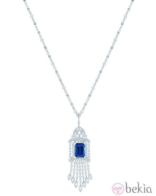 Tiffany Diamond and Sapphire Pendant para Navidad de Tiffany & Co.