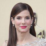 Peinados para Navidad: Sandra Bullock y su melena lisa con raya al lado