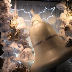 Escaparate navideño de complementos