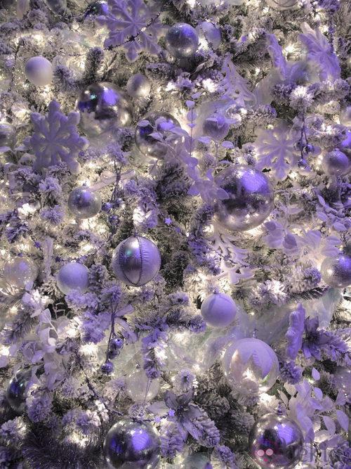 Árbol de Navidad blanco y morado