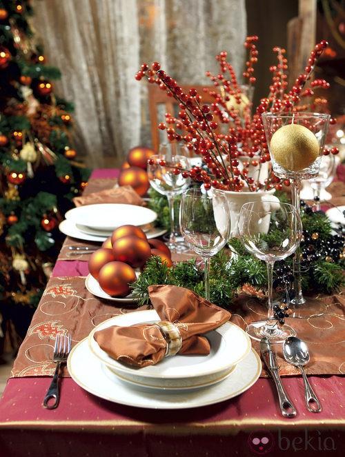 Una buena decoración de la mesa de Navidad