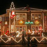 Alternativas parar decorar el exterior de una casa en navidad