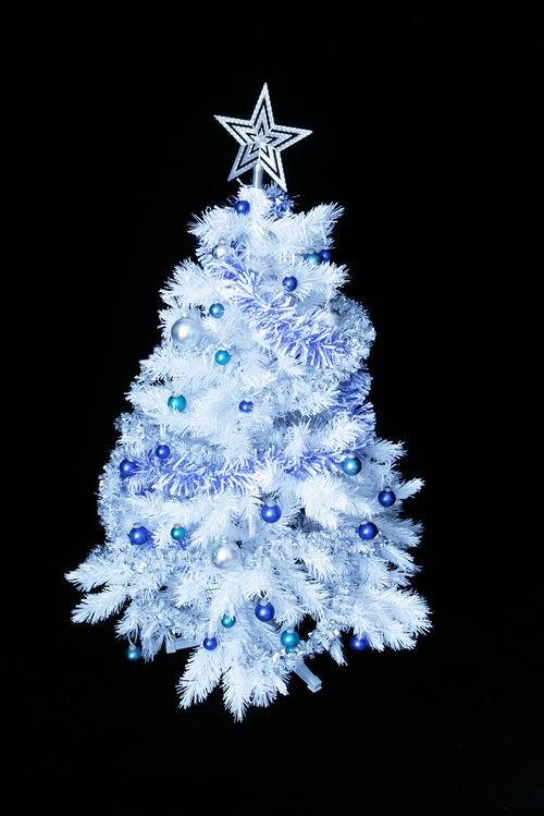 Rbol de navidad blanco sorprende con una decoraci n en azul rboles de navidad ideas de - Arbol de navidad blanco ...