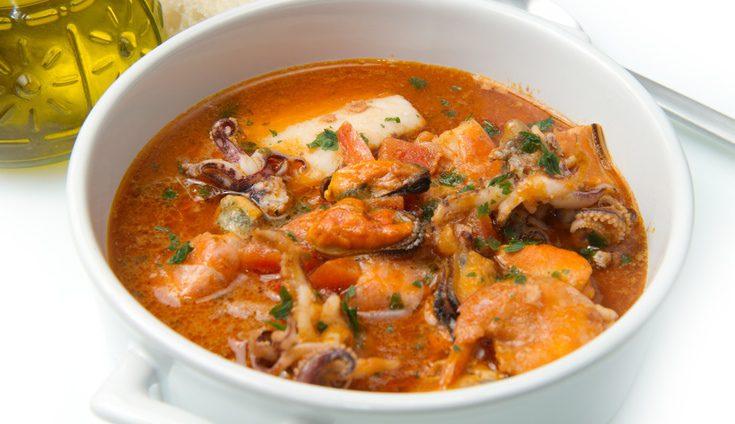 Una rica sopa de marisco
