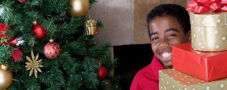 Navidad en el Congo: un desfile navideño que concluye con una ofrenda de regalos