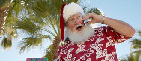 Papá Noel en manga corta y sin trineo