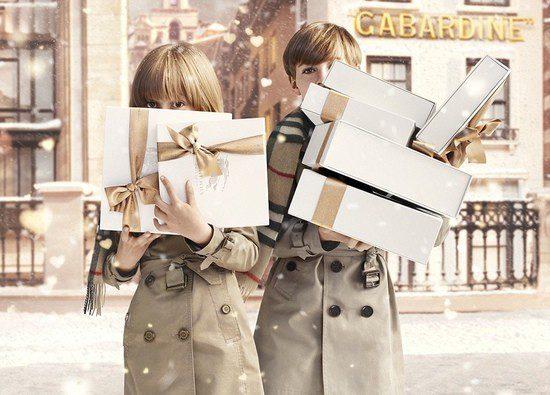 Instantánea de la campaña 'With Love' de Burberry