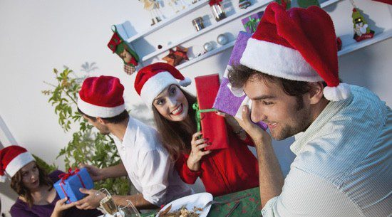 El amigo invisible: un sencillo y económico juego para que todos reciban un detalle por Navidad