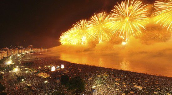 Fiesta de Fin de Año en la playa de Copacabana