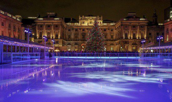 Las pistas de hielo son otra de las tradiciones de las navidades inglesas