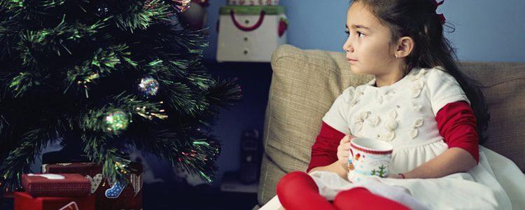 Conviene que sean los padres los encargados de decirle la verdad, así podrán participar en los regalos