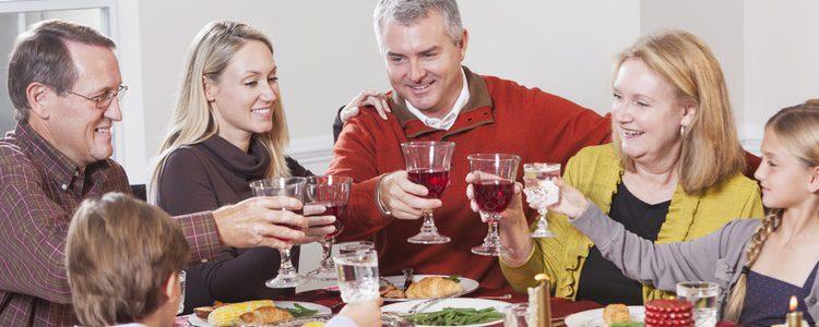 Juegos De Cartas Para Disfrutar En Familia Tras Las Cenas Navidenas