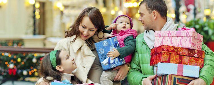 Se puede recurrir al Black Friday o a las rebajas posteriores para ahorrar en regalos si se hace todo con previsión