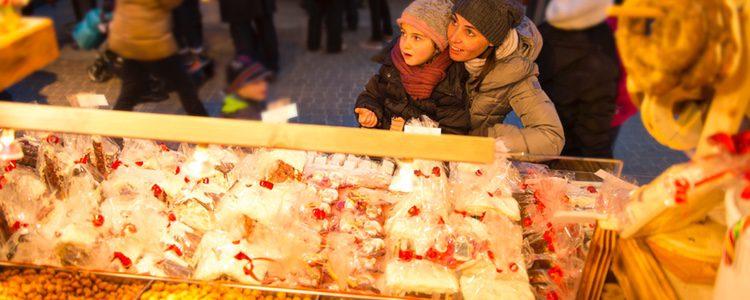 La comida es uno de los puntos fuertes del mercado navideño de Valencia