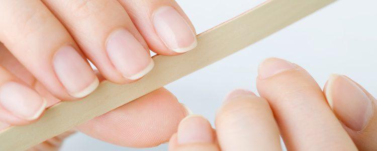 La manicura natural es algo que se puede hacer en casa de forma sencilla