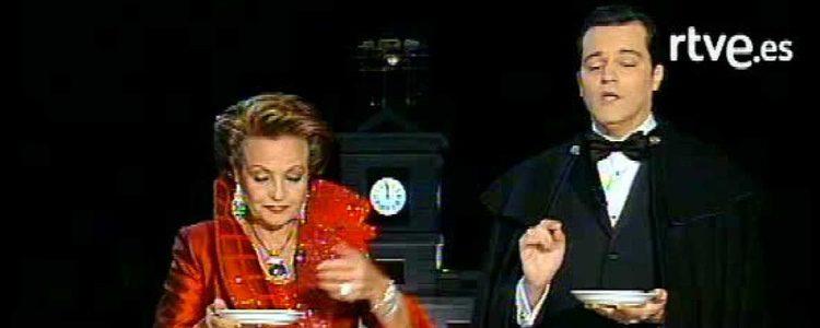 Carmen Sevilla presentando las Campanadas junto a Ramón García