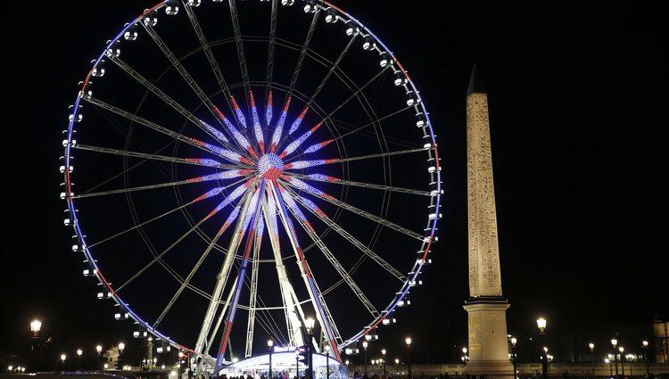 París alumbrado por las luces de Navidad