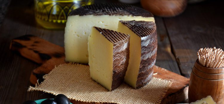 Los quesos y el pisto son típicos en Castilla La Mancha