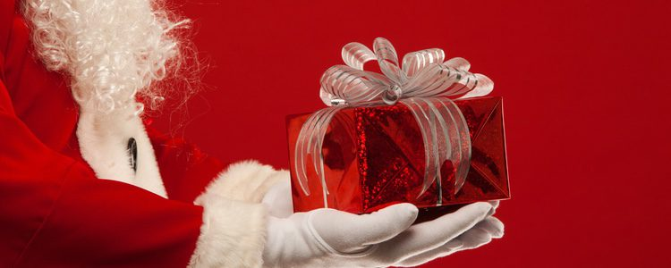 La fama de Papá Noel es de repartidor de regalos
