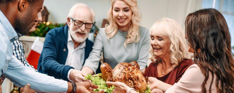 Reunirse en familia por Nochevieja es una tradición extendida por todo el mundo