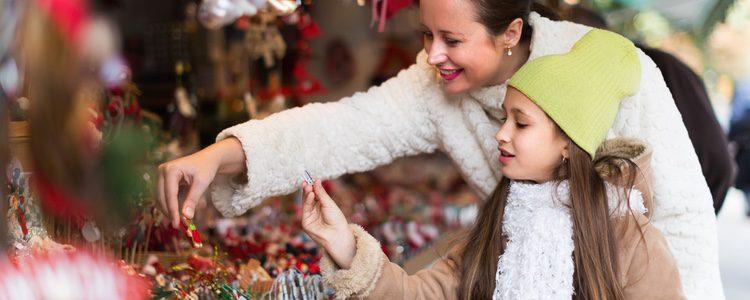 Grandes y pequeños disfrutan de las tradiciones sin distinción