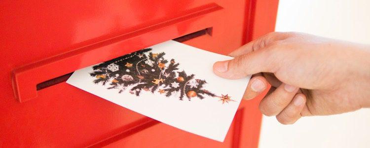 Aunque cada vez con menos frecuencia, se siguen enviando postales navideñas