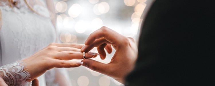 Una boda es una ocasión muy especial a la que la Navidad dará un toque mágico