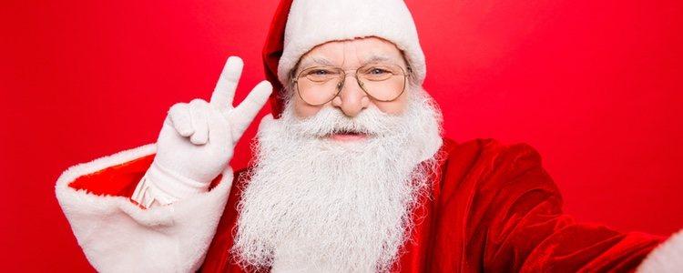 El Santa Claus chino es similar al que conocemos, pero el japonés es un dios con ojos delante y detrás de la cara