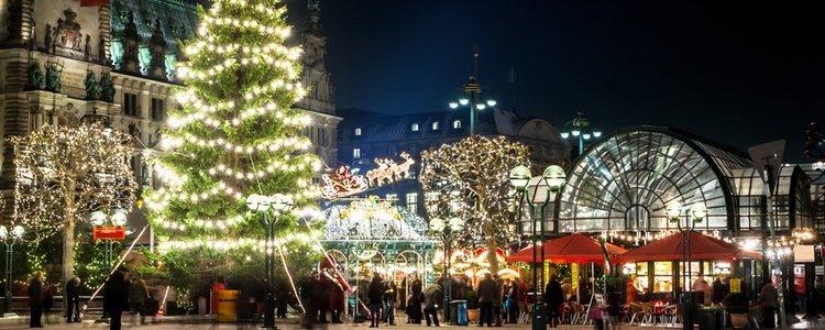 Si prefieres dar un paseo, sal a la calle y disfruta de las luces de Navidad