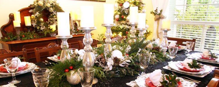 El centro de mesa también es una oportunidad para reflejar la navidad