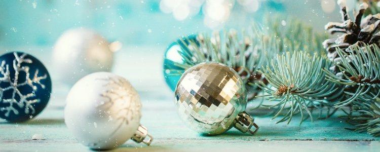Los adornos navideños pueden presentar distintos tipos de estilos