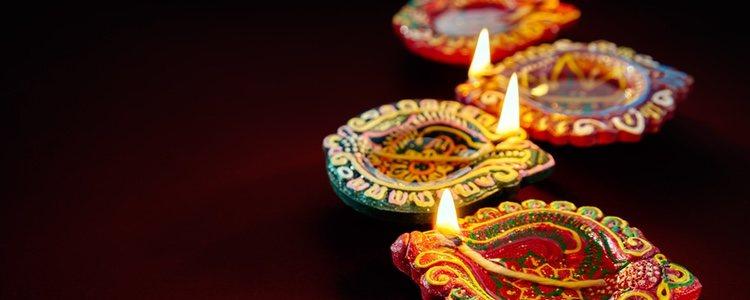 Estas velas sirven para alumbrar el camino en esta festividad