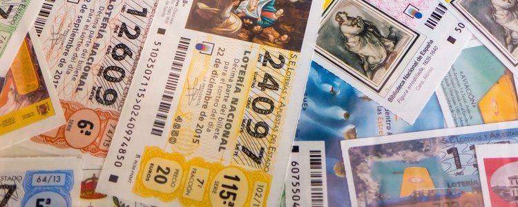 DLas administraciones de loterías ponen a la venta cada año los billetes para el Sorteo de Navidad en julio
